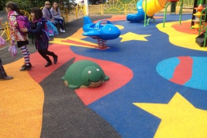 3D резиновые фигуры для детской площадки.