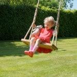 Какие выбрать качели для детей