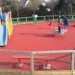 Каучуковое покрытие для детских площадок.