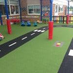 Укладка резиновых покрытий на детских площадках.